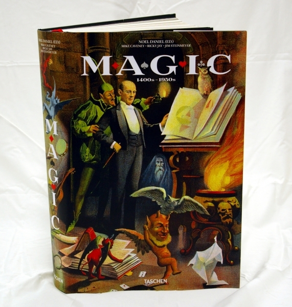 Book - Magic 1400s-1950s