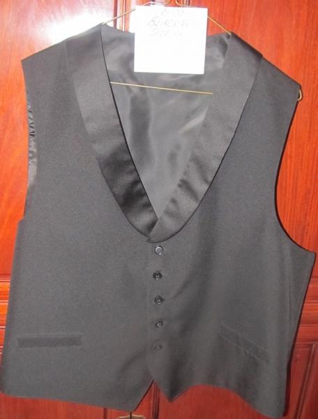 18-20 Black vest